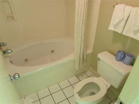 hotels with jacuzzi bathtub jacuzzi tub picture of windsurfer hotel myrtle beach