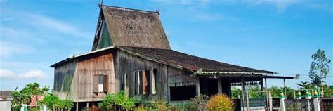 sejarah singkat rumah adat bali