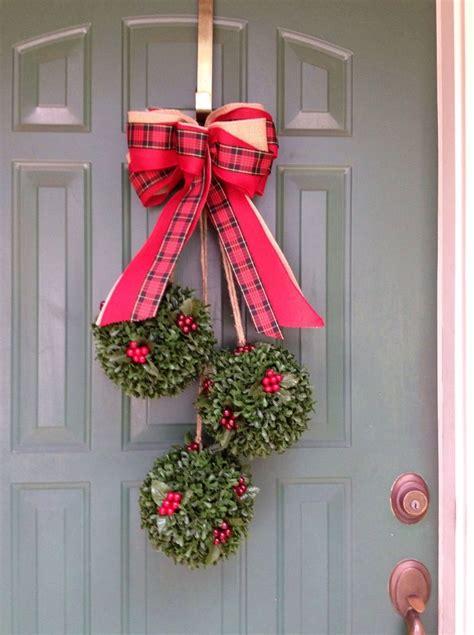 holiday decor   holiday door swag holiday door
