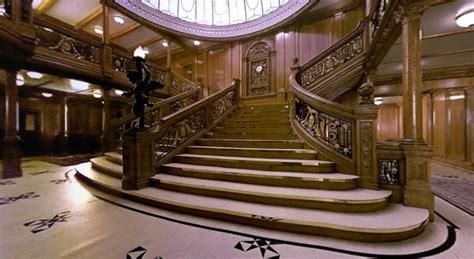 Birds Ss Original 100 Real vue de la grande escalier avant de 1 233 re classe du rms