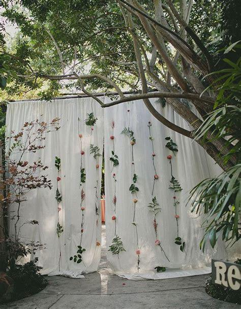 Photobooth nature   Photobooth : 20 idées déco pour prendre la pose avec ou sans les mariés   Elle