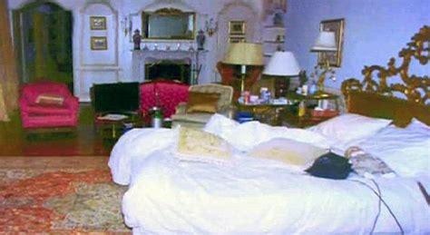 Michael Jackson Death Bed Up For Auction In La Next Month Daily Mail Online