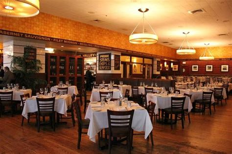 grill room chicago the 10 best restaurants near palmer house a hotel