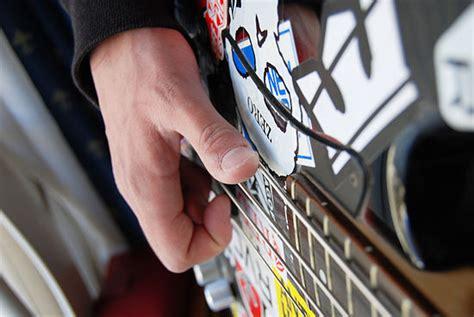Alat Musik Pelindung Jari Silikon Untuk Memetik Senar Gitar Isi 4pcs cara cepat belajar alat musik cara belajar bass untuk pemula