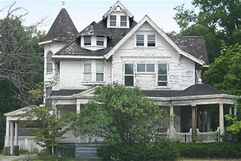 buy old houses queen anne abandoned homes and home on pinterest