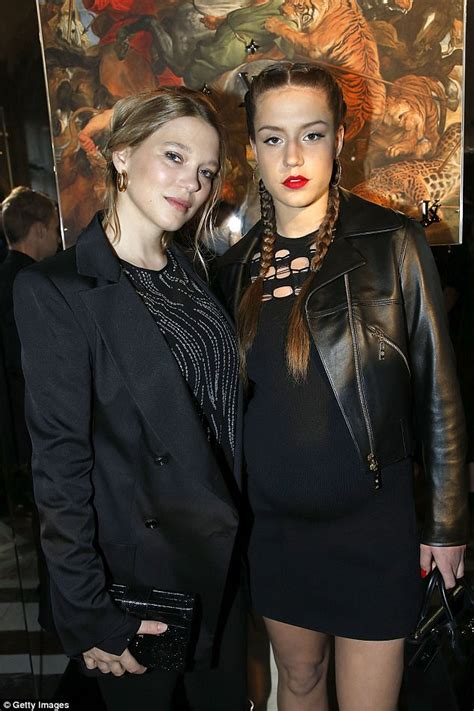 lea seydoux child lea seydoux attends dinner three months after giving birth