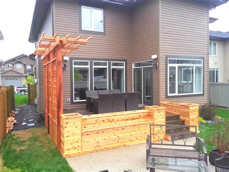 Cedar Planters With Privacy Screen And Pergola Craftsman Pergola Privacy Screens