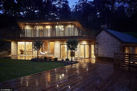 grand designs couple create  glorious woodland home   dreams    daily