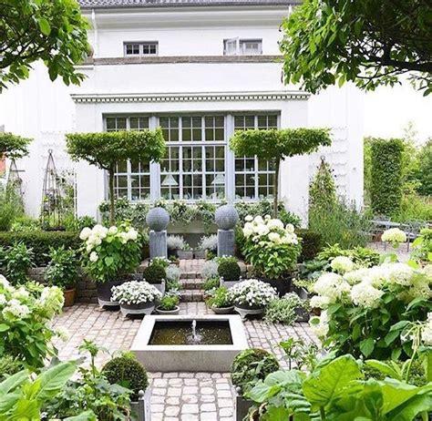 beautiful small garden garden pinterest beautiful garden blooms gardens and landscapes