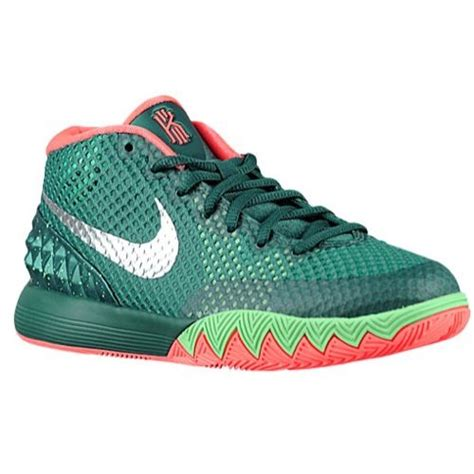 foot locker womens basketball shoes 7 best images about nikes on
