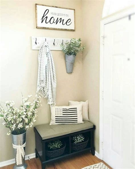 How To Make A Small Entryway Bench