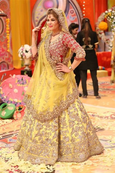 Simple Dresses For Mehndi