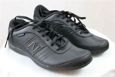 s new balance black leather like running walking