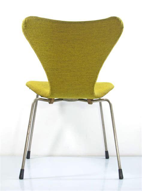 Fritz Hansen Chairs by Arne Jacobsen Early Version Series 7 Chair Fritz Hansen