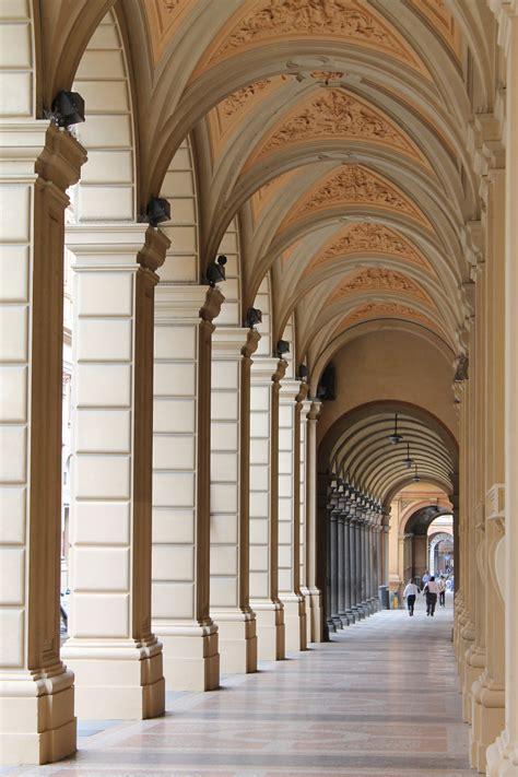 a i file i portici di bologna jpg wikimedia commons