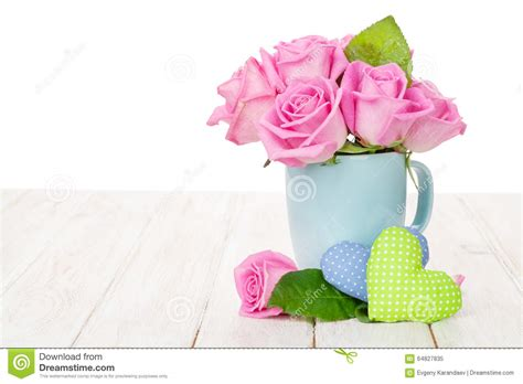 Skinnova Whitening Complete Day Pink valentines day pink roses bouquet and handmaded hearts stock photo image 64827835