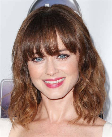 shoulder length hair with bangs curly wavy hairstyles with bangs shoulder length photosgratisylegal
