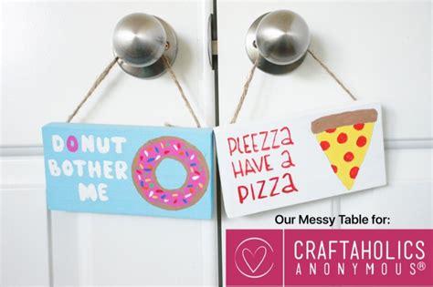 How To Make Door Hangers by Craftaholics Anonymous 174 Diy Door Hangers