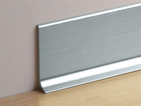 plinthe aluminium cuisine mas90 6sf d 233 co int 233 rieur plinthes m 233 tal