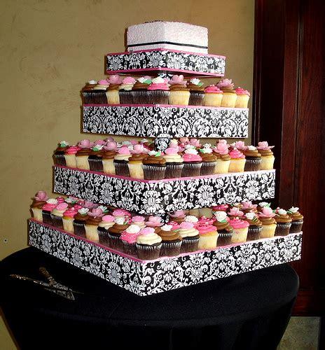 Wedding Cakes Ta by πρέπει να κανονίσω τα της τούρτας του γάμου και αγχώνομαι