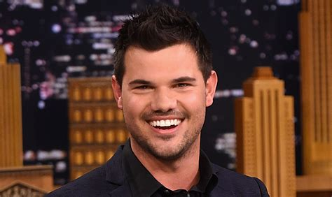taylor lautner 2016 weight taylor lautner offers up ex taylor swift s phone number in
