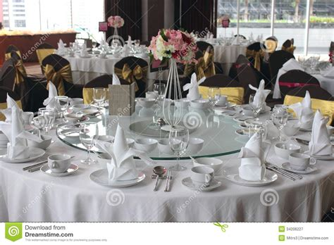 wedding dinner table setting table setting for a wedding royalty free stock photography