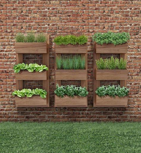 Wall Mounted Herb Planter by 17 Best Ideas About Vertical Planter On