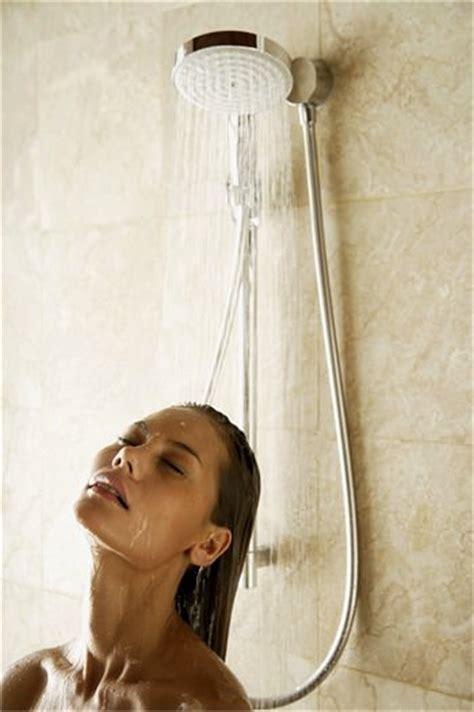mal di testa sangue dal naso quando il mal di testa pu 242 dipendere da altre malattie