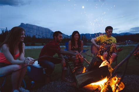 perfecting  classic mountain picnic  banff national