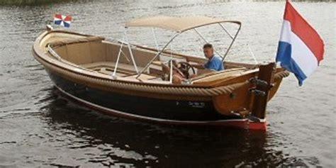 sloep kopen leiden botentehuur nl d 233 bootverhuur website van nederland