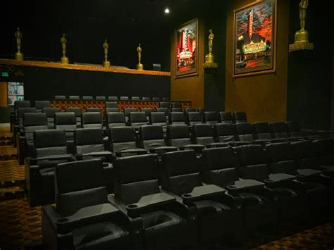 la jolla movie theater with recliners 100 reclining movie theater seats universal