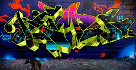 use of 3d lettering apparent graffiti