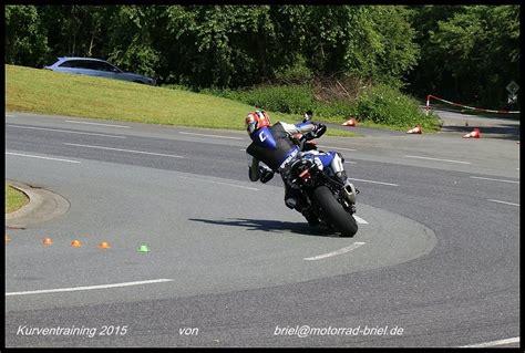 Ps Motorrad Kurventraining by Kurventraining Mit Motorrad Briel
