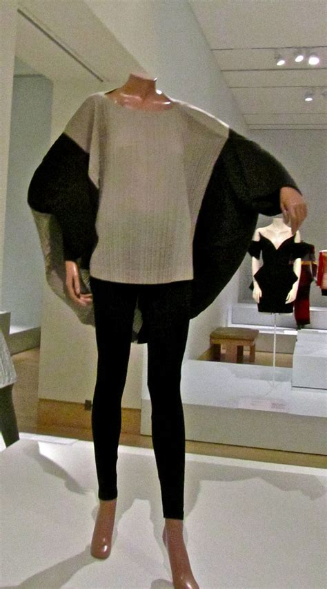 design clothes wikipedia file issey miyake rhythm pleats series 1990 jpg