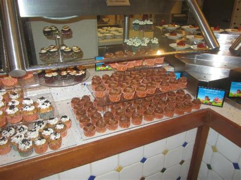 the spice market buffet and more cupcakes picture of spice market buffet las vegas tripadvisor