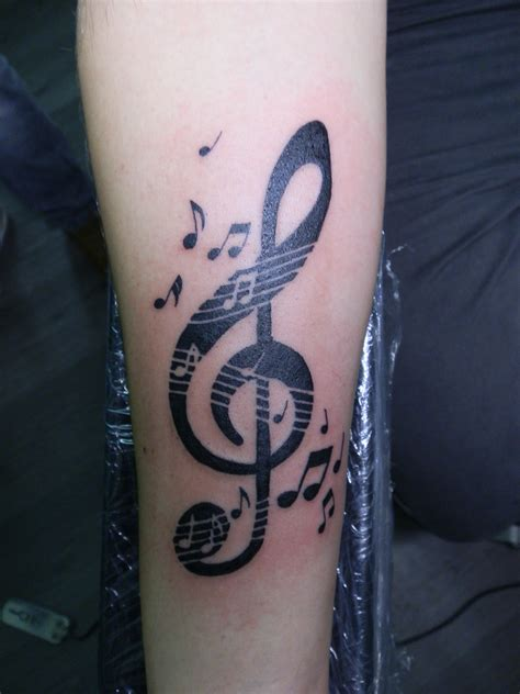 tattoo pain black tattoo schriften handgelenk joy studio design gallery