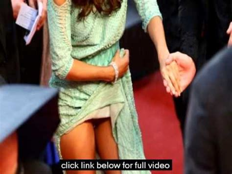 no panties eva longorias wardrobe malfunction in cannes 518 eva longoria has flashed her lady parts before she never