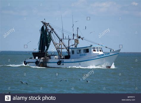 shrimp boats for sale in mexico shrimp boat with vietnamese name heads towards the gulf of