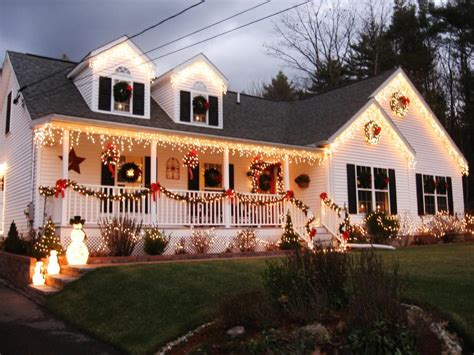 homes decorated for christmas outside stunning outdoor christmas displays hgtv