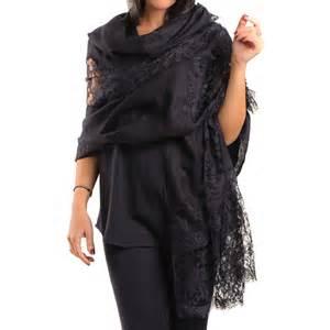 Pashmina Monochrom 2 black shawl chantilly lace shawl black co uk