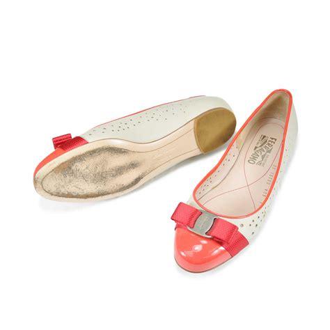 Sepatu Baguss Salvatore Ferragamo Luxury Ribbon Flats second salvatore ferragamo varina perforated ballerina flats the fifth collection