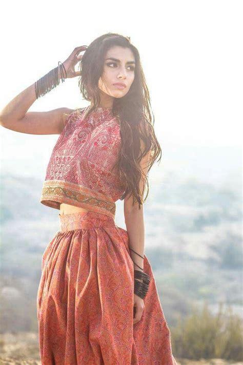 pakistans fashion model zaara peerzada