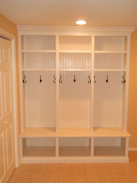 mudroom lockers with bench built ins mud room lockers mud rooms and lockers on pinterest