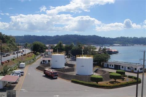 keppel  buy philippine petroleum storage pipeline firm