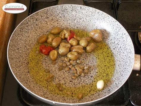 cucinare verze verze saltate con capperi e olive cucinare it