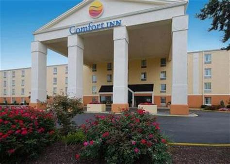 comfort inn in st louis mo comfort inn westport saint louis deals see hotel photos