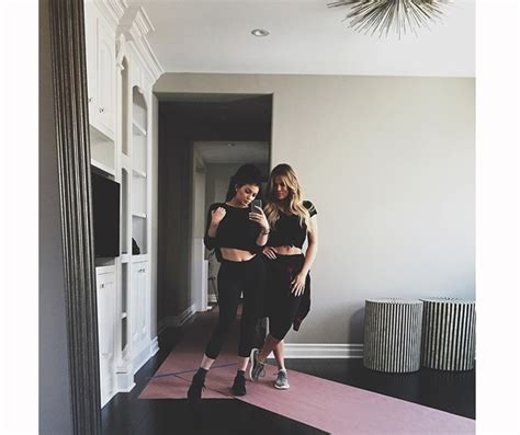 khloe kardashian supports kylie jenner during her big lips drama kylie jenner gives us a tour of her huge walk in