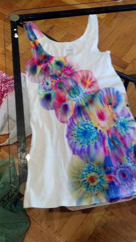 Painting T Shirts With Sharpies by 25 Best Ideas About Sharpie Tie Dye On