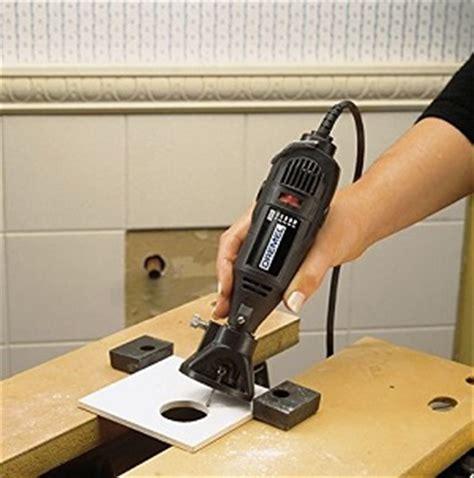 come tagliare le piastrelle come fare un foro circolare su una piastrella