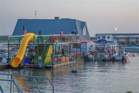 vip marina lake travis boat yacht party barge houseboat rental vip marina on lake travis
